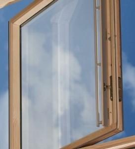 velux_ggl_3059_centre_pivot_roof_window_pine_finish_1