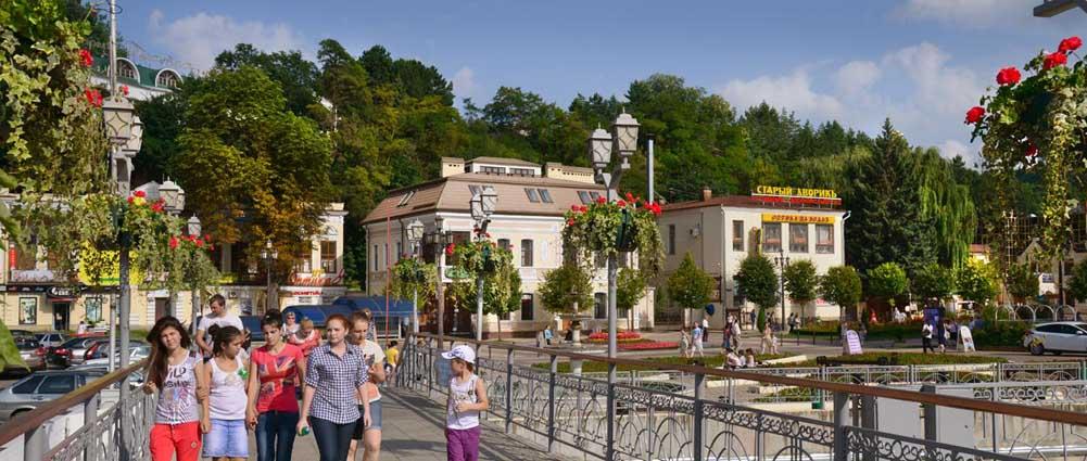 Мост Удачи через р.Ольховку. Фото Юрия ЖВАНКО.