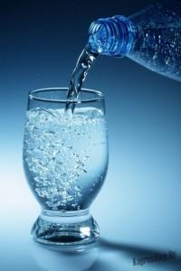 Mineralnaya-voda-v-zhizni-cheloveka-1-682x1024
